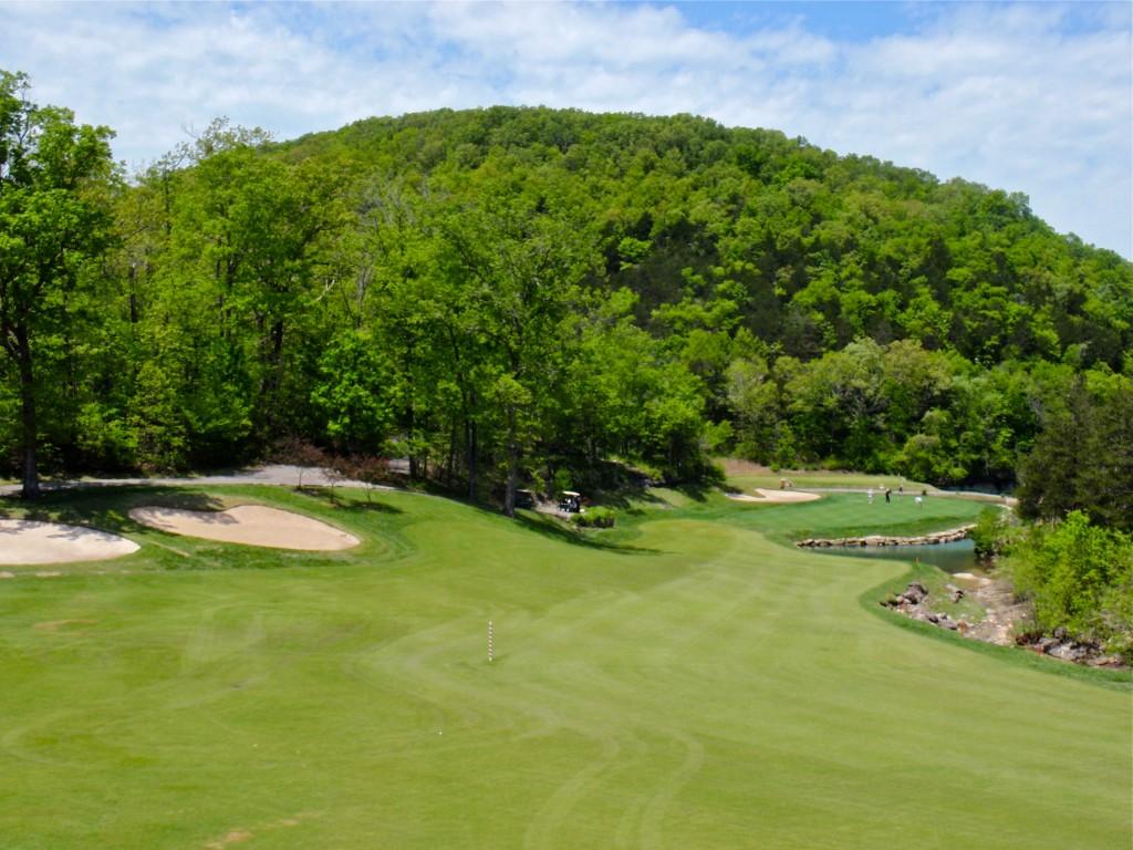 Branson MO Golf Course Resort LedgeStone Sixteen